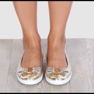 NEW Salvatore Ferragamo Rufina Gold Flats